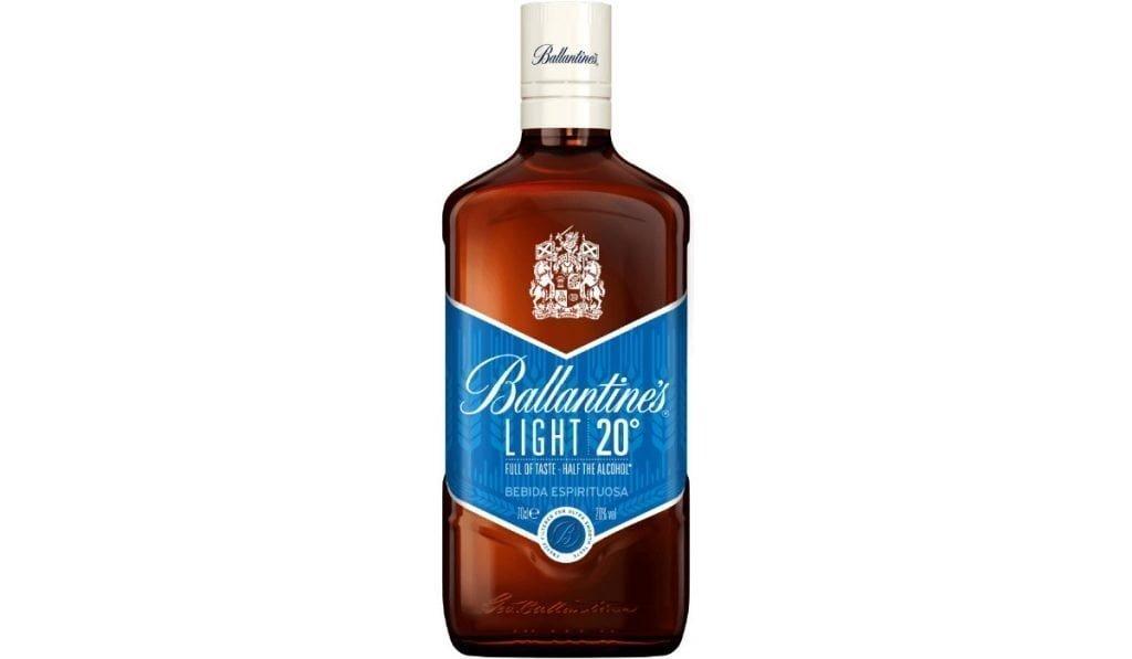 ballantines light botella bebida espirituosa base whisky
